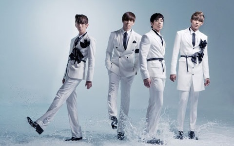 """2AM's Debut Japanese Album, """"Saint o'Clock"""" to Contain Live JYP Nation Footage"""