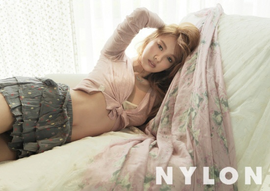 lee-hyori-is-the-goddess-of-spring-for-nylon-magazine_image