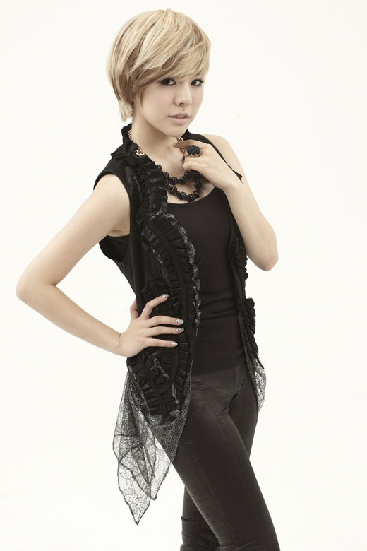 Girls' Generation's Sunny Proves She Has the Brains