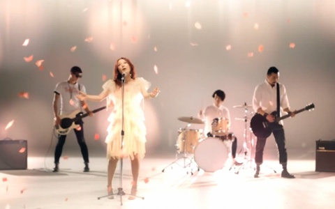 "Jisun Releases Comeback MV ""Wind, Blow"""