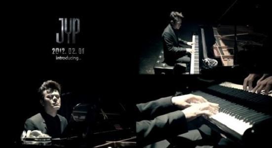 JYP Hints at 2PM's Comeback?