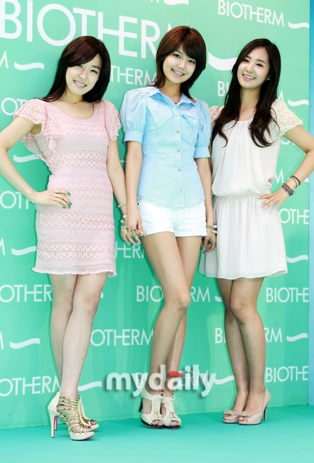 Biotherm Fansigning 05.01.10 [SNSD] (Sooyoung Yuri Tiffany)