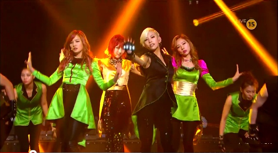 "Sunny Hill Performs Comeback ""The Grasshopper Song"" on Inkigayo"