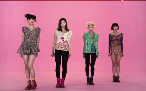 """Sunny Hill Makes Their Music Core Comeback Performance With """"Princess and Prince Charming"""""""