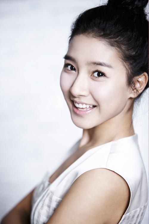 """Boys Over Flowers"" Kim So Eun Enjoys Popularity in China"