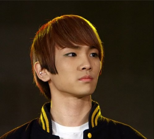 How Much Eye Makeup Is Too Much For Boy Idols?
