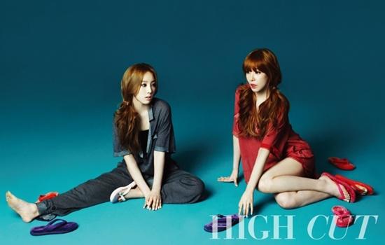 Who Is Prettier, Girls' Generation Taeyeon or Tiffany?