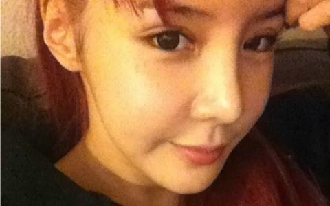 "[Tweets] Park Bom Is Pretty, Nichkhun's Guardian Angel, Eunhyuk on ""FAME"""