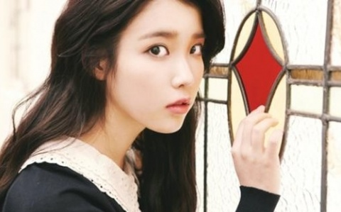 "Loen Entertainment Reveals Deleted Scene from IU's ""You and I"" MV"