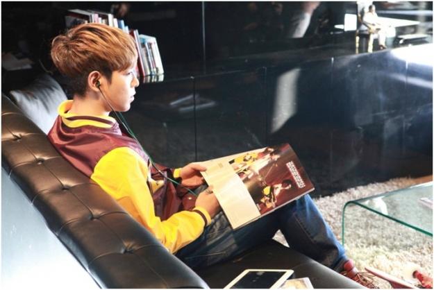 T.O.P Reveals More FUBU CF Photos from YG Building