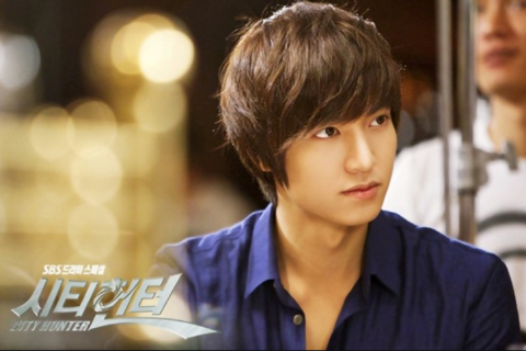 """""""City Hunter's"""" Lee Min Ho Goes Beyond Asia and Captures Parisians' Hearts"""
