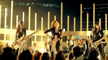 """Lim Jeong Hee Releases """"Golden Lady"""" MV"""