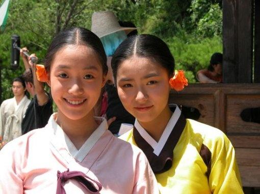 Photos of Shin Se Kyung and Ham Eun Jung's Child Actress Days Revealed