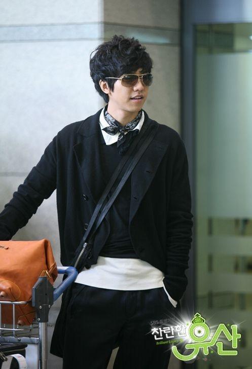Lee Seung Gi (Hudang Teacher 2ND1) Shining Inheritance