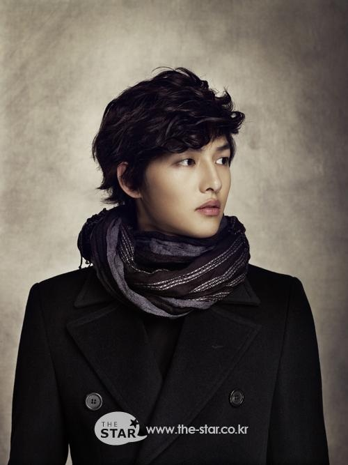 Song Joong Ki Prepared to Become An Announcer and PD Before Debut