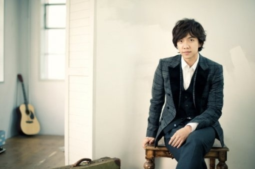 "Lee Seung Gi ""Dating Generation"" Reaches #1 on Oricon Daily Chart"