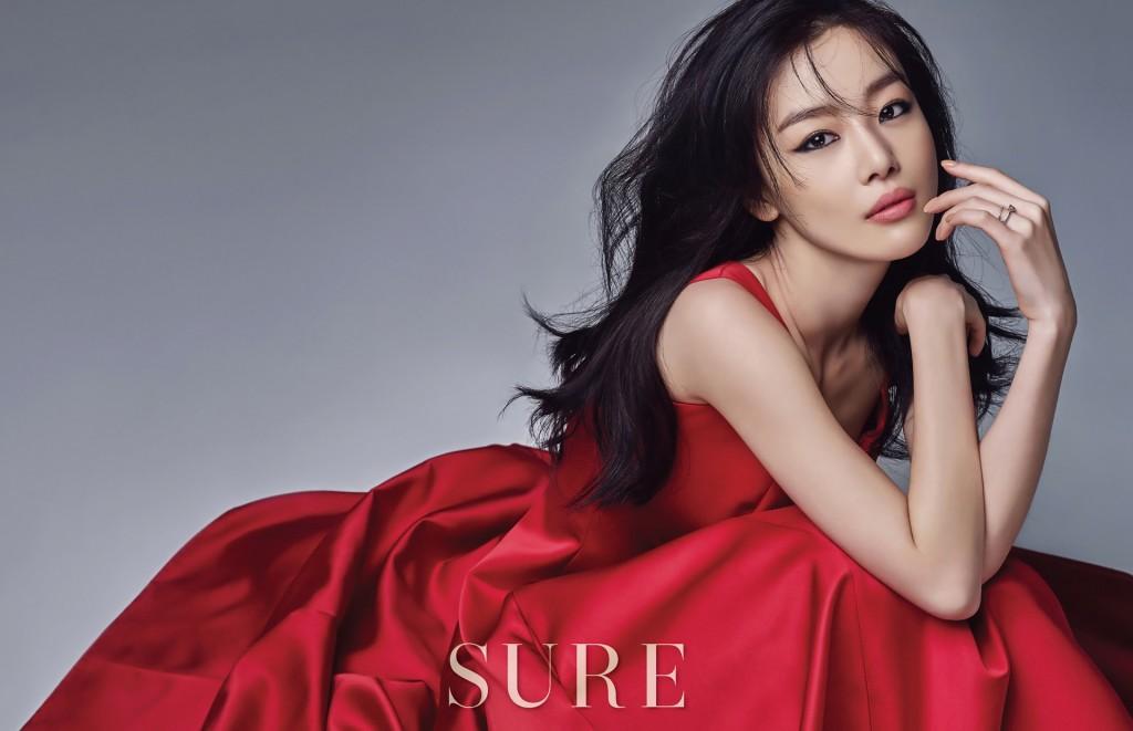 """Sunhwa de SECRET irradia elegancia en nueva sesión fotográfica para """"SURE"""""""