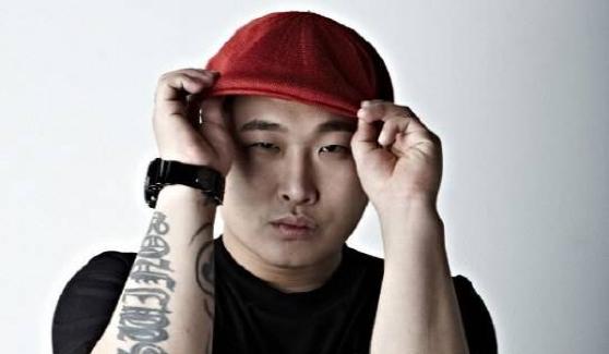 El rapero Swings se disculpa por no cumplir con su promesa de realizar actividades con fines de lucro