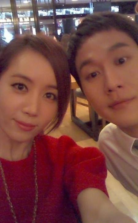 Jung Woo y Kim Yoo Mi se casan en una ceremonia privada