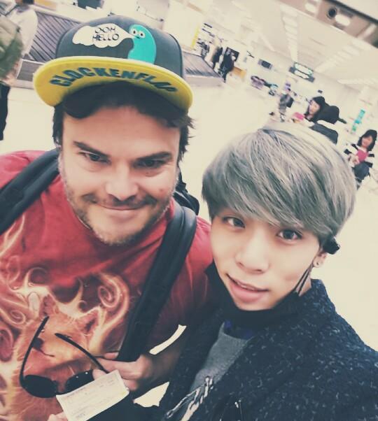 Jack Black habla sobre su encuentro con Jonghyun de SHINee en el aeropuerto Gimpo