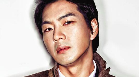 """Song Il Gook asusta al equipo de producción con su increíble y realista actuación en """"Jang Young Sil"""""""