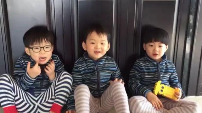 Los trillizos Song le envían un vídeo mensaje a los hijos de Lee Dong Gook