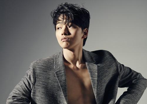 Yeo Jin Goo es todo un hombre para la revista Dong Bang Yu Haeng