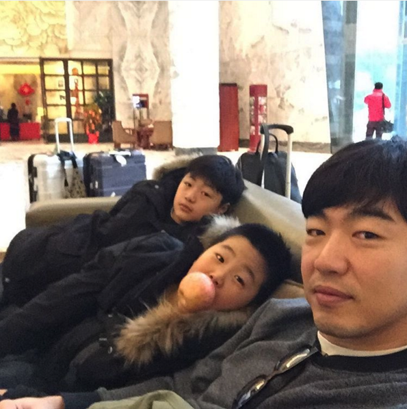 Lee Taksu, el hijo del actor Lee Jong Hyuk, pronto será una entrella de los programas de televisión