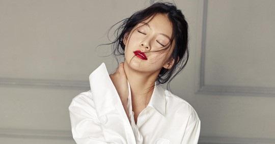 Gong Seung Yeon es un ángel en blanco para SURE