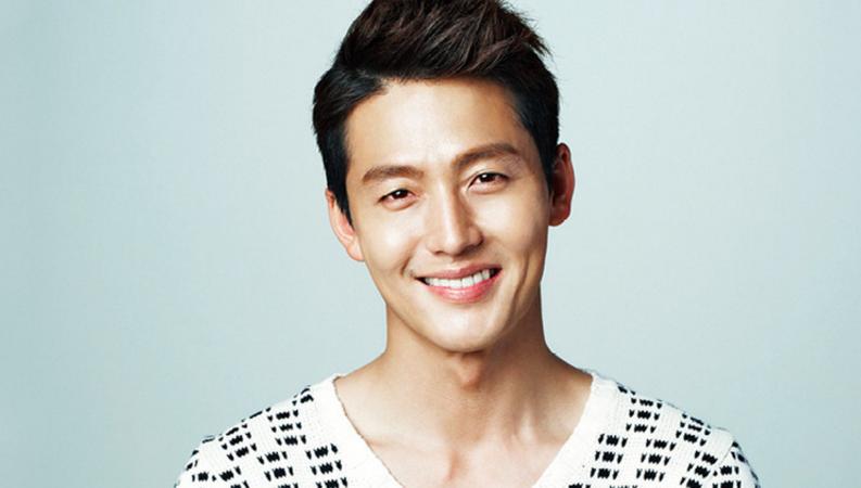 Se revela que el actor Lee Jung Jin dejó JYP Entertainment