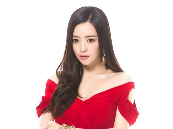 Hong Soo Ah asegura no haberse sometido a ninguna cirugía plástica drástica