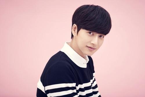 Park Hae Jin cumple el deseo de una fan con una visita sorpresa a su escuela