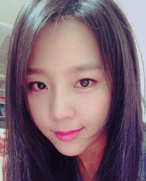 Yewon actualiza su Instagram con reciente foto