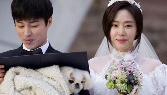 """Kang Ye Won y Oh Min Seok tienen su ceremonia de matrimonio en """"We Got Married"""""""