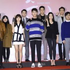"""Artistas de SM, Lee Kwang Soo y más acuden al pase V.I.P de """"Pure Love"""" de D.O y Kim So Hyun"""