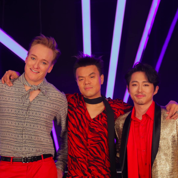 [Actualizado] Se revela que la colaboración de Conan O'Brien con JYP es un video musical