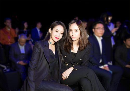 """Victoria y Krystal de f(x) son estrellas de la moda en """"Jumei Award Ceremony 2016″"""