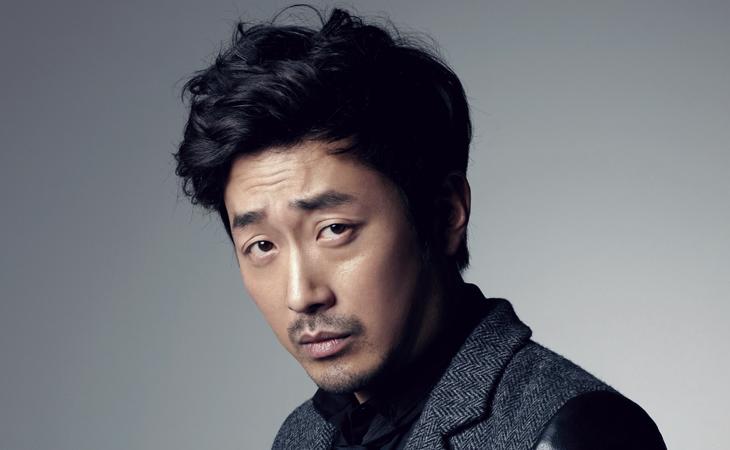 Pintura del actor Ha Jung Woo se vende a elevado precio
