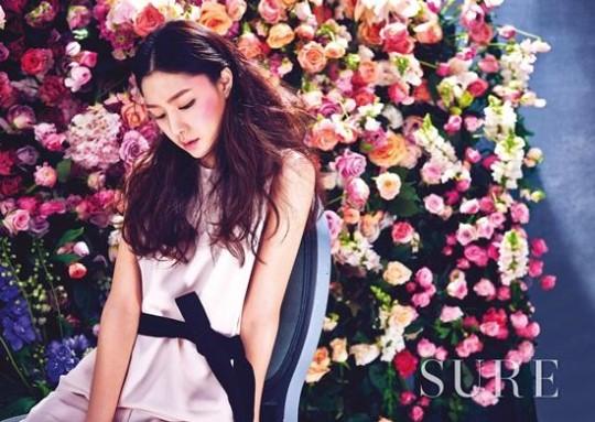Seo Ji Hye revela cómo mantiene su figura en la revista SURE