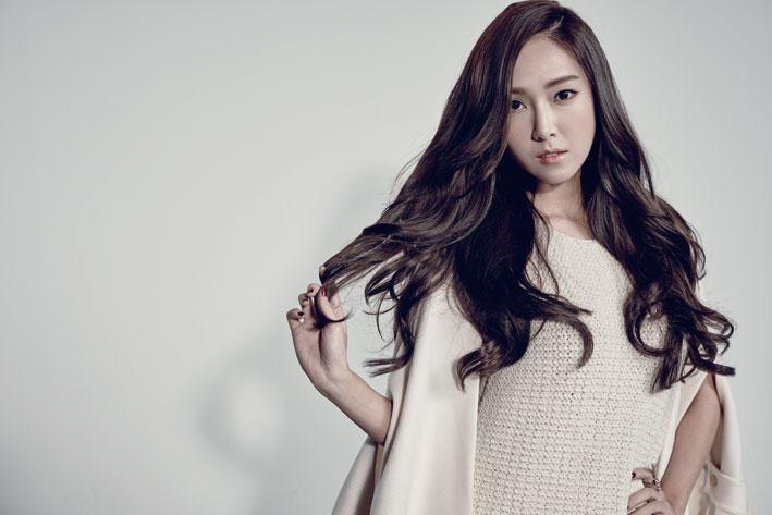 Jessica termina de grabar su video musical, su agencia comenta sobre su debut pendiente como solista