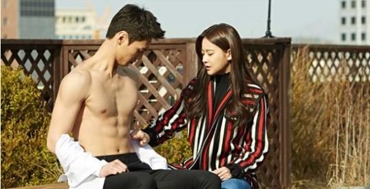 """Nuevas imágenes de """"Please Come Back Mister"""" muestran los abdominales de chocolate de Lee Tae Hwan"""