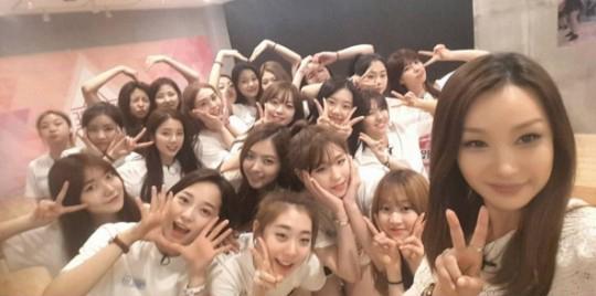 """La coreógrafa, Bae Yoon Jung, comparte fotos de la última clase de baile de """"Produce 101"""""""