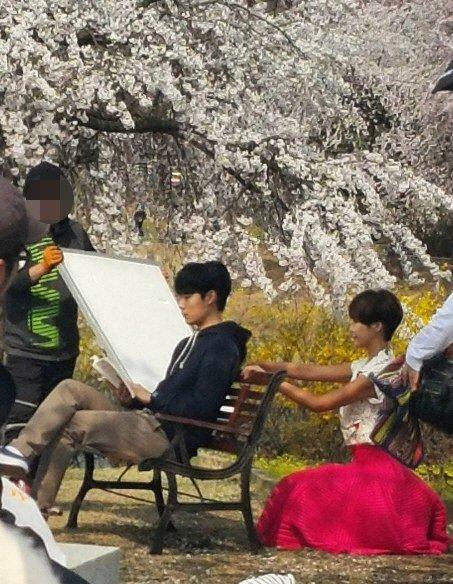 """Ryu Jun Yeol y Hwang Jung Eum son vistos grabando para """"Lucky Romance"""""""