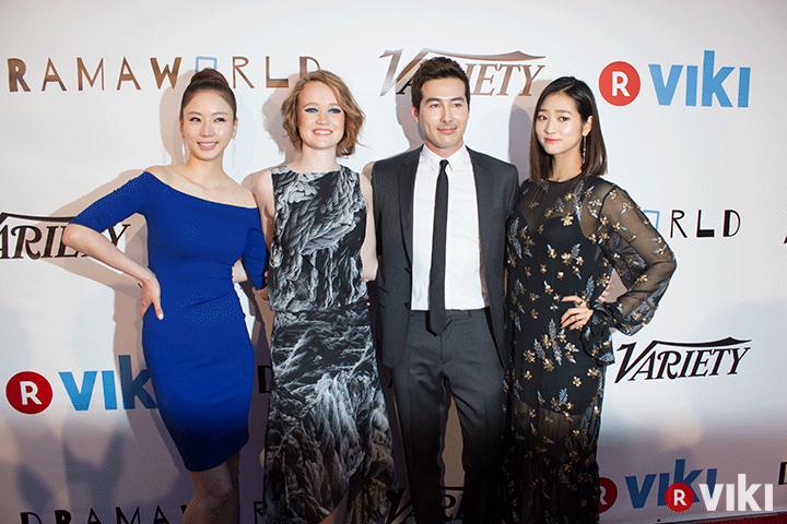 Resumen: Asistencia al estreno de Dramaworld con las estrellas