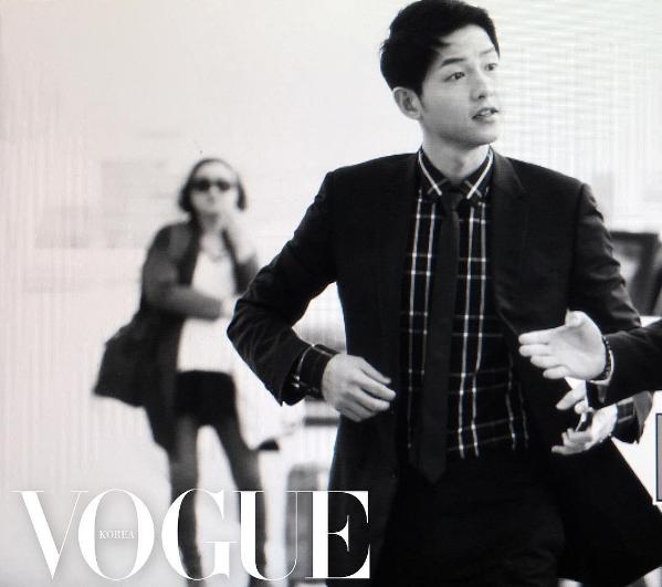 La revista Vogue revela fotos de Song Joong Ki en su viaje a Hong Kong