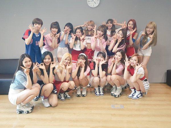 TWICE y Oh My Girl exudan poder de grupo femenino en una linda foto