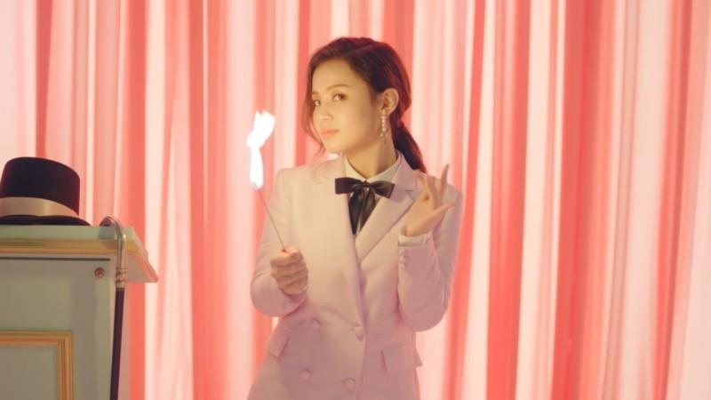 Lee Hi le cuenta a Fuse TV qué es lo genial sobre ser una artista adolescente