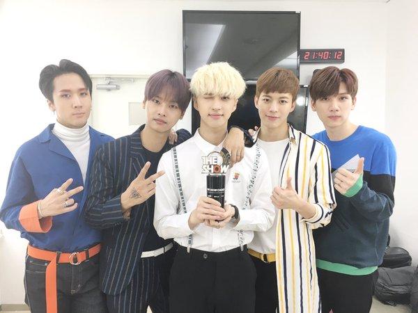 """VIXX se lleva su 4ta victoria con """"Dynamite"""" en """"The Show"""", presentaciones de SEVENTEEN, TWICE y más"""