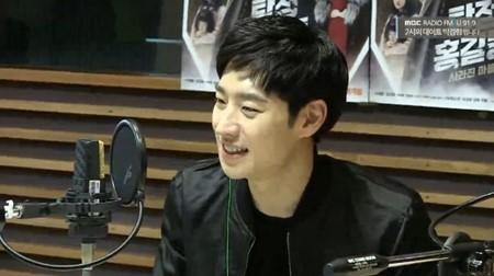 """Lee Je Hoon dice que está más que listo para filmar una secuela de """"Signal"""""""