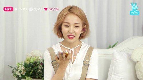 Jun.K de 2PM y Tiffany de Girls' Generation felicitan a Baek Ah Yeon por su regreso